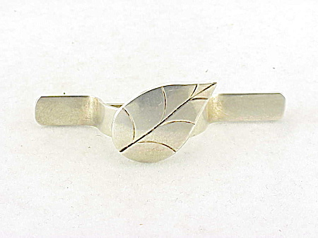 Victorian Or Edwardian Sterling Silver Posey Holder Tussie Mussie Brooch With Leaf