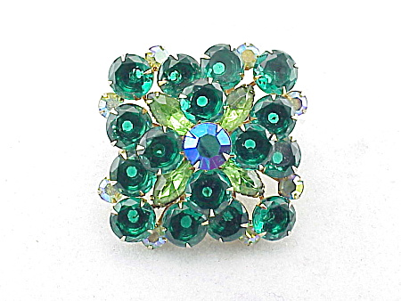 VINTAGE LARGE EMERALD GREEN AND LIGHT GREEN RHINESTONE BROOCH (Image1)