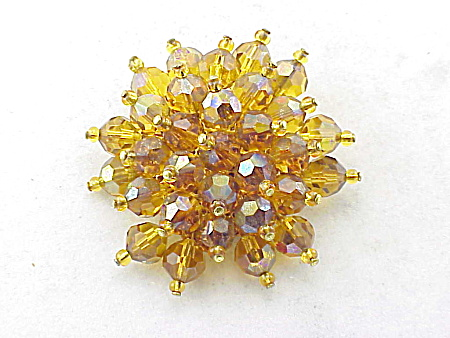 VINTAGE COSTUME JEWELRY - AMBER AURORA BOREALIS FACETED CRYSTAL BROOCH (Image1)