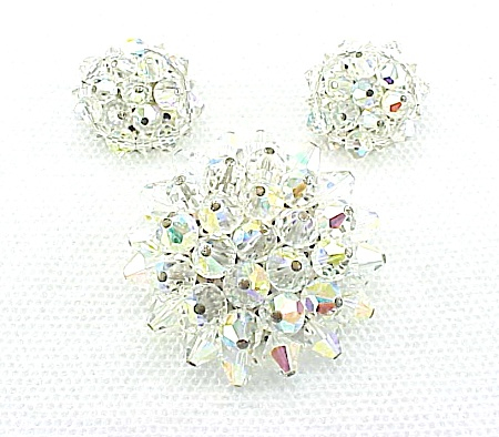 VINTAGE COSTUME JEWELRY - AURORA BOREALIS CRYSTAL BROOCH & CLIP EARRINGS SET (Image1)