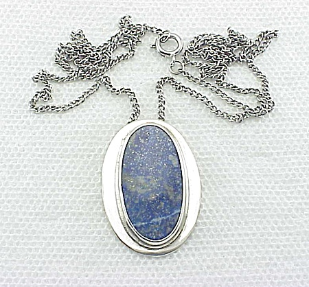 VINTAGE COSTUME JEWELRY - STERLING SILVER & LAPIS LAZULI PENDANT NECKLACE (Image1)