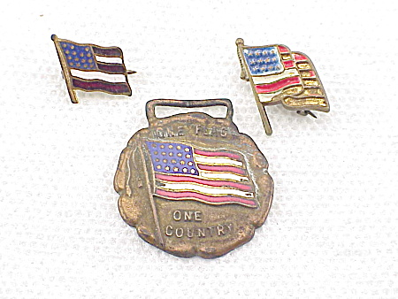 Vintage United States Us Flag Watch Fob And 2 Lapel Pins With Enamel