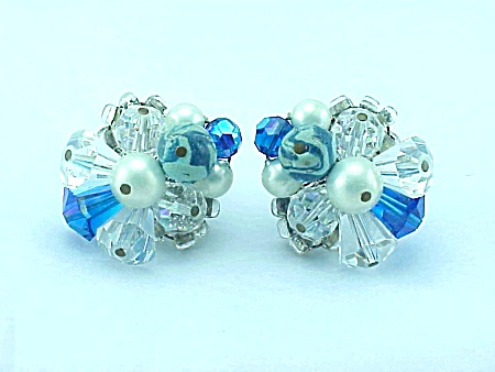 VINTAGE COSTUME JEWELRY - VENDOME BLUE & CLEAR AURORA BOREALIS CRYSTAL EARRINGS (Image1)