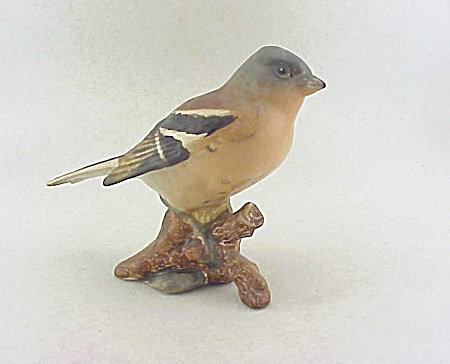VINTAGE BESWICK CHAFFINCH BIRD FIGURINE 991 MATTE FINISH (Image1)
