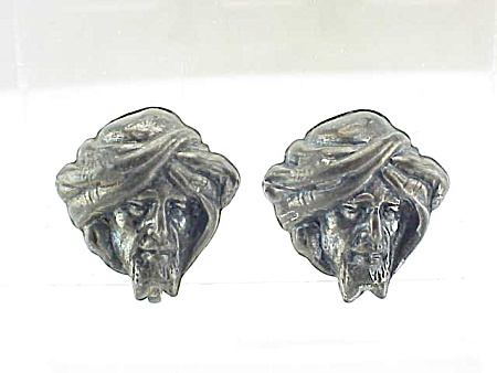 VINTAGE COSTUME JEWELRY - THIEF OF BAGHDAD STERLING SILVER SCREWBACK EARRINGS (Image1)