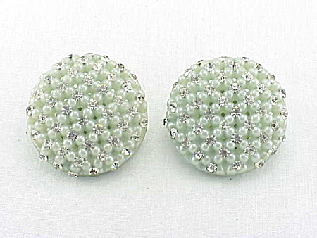 VINTAGE COSTUME JEWELRY - PALE GREEN LUCITE & RHINESTONE CLIP EARRINGS (Image1)