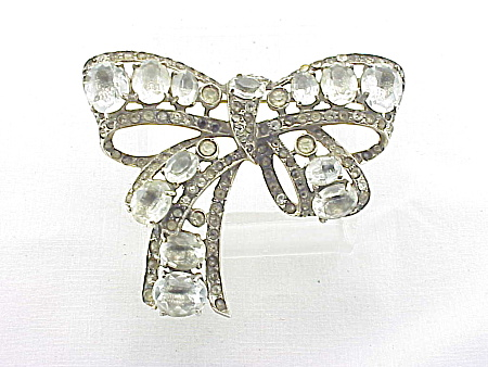 VINTAGE COSTUME JEWELRY - EISENBERG ORIGINAL STERLING SILVER AND RHINESTONE BOW BROOCH (Image1)