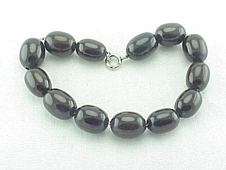 ANTIQUE CHERRY AMBER BEADS ON STERLING SILVER CHAIN LINK BRACELET    (Image1)