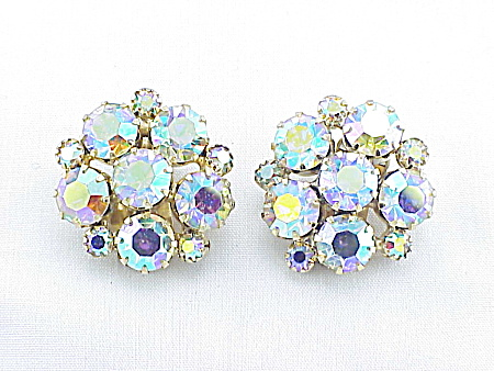 VINTAGE COSTUME JEWELRY - AURORA BOREALIS RHINESTONE CLIP EARRINGS (Image1)