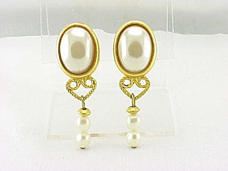 Costume Jewelry - Matte Gold Tone Mabe' & Dangling Pearl Clip Earrings