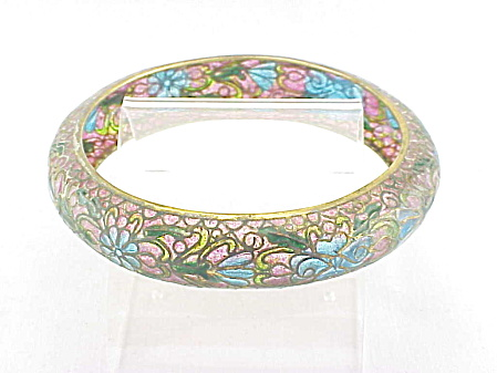 VINTAGE COSTUME JEWELRY - ART NOUVEAU PINK & BLUE PLIQUE A JOUR ENAMEL BANGLE BRACELET (Image1)
