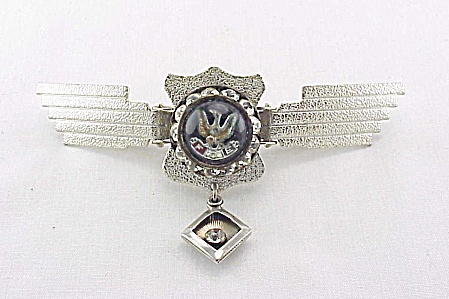 VINTAGE FOE FRATERNAL ORDER OF EAGLES RHINESTONE COLLAR CLIP PIN (Image1)