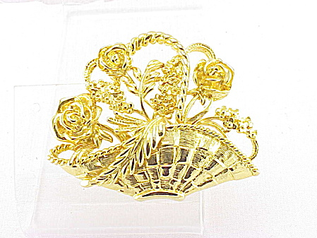 COSTUME JEWELRY - GOLD TONE BASKET OF FLOWERS BROOCH OR PIN (Image1)