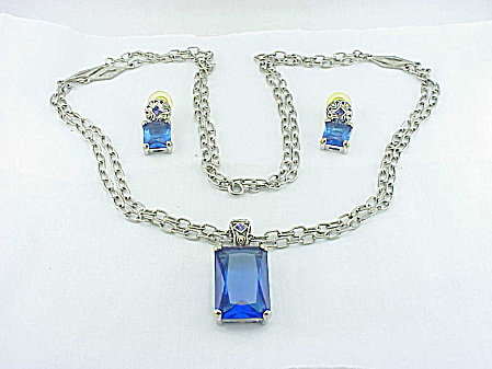 COSTUME JEWELRY - BLUE RHINESTONE PENDANT NECKLACE & PIERCED EARRINGS SET SIGNED EXPO (Image1)