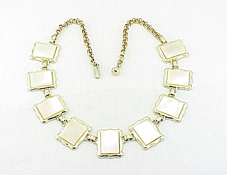 VINTAGE MOTHER OF PEARL SQUARES GOLD TONE CHOKER NECKLACE (Image1)
