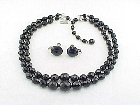 VINTAGE 2 STRAND JET BLACK FACETED GLASS BEAD NECKLACE AND EARRINGS (Image1)