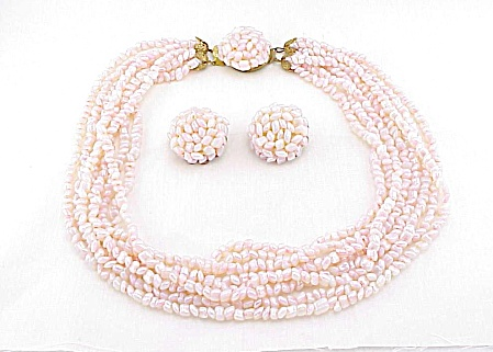 VINTAGE 8 STRAND PINK OPALESCENT GLASS BEAD NECKLACE AND EARRINGS SET (Image1)