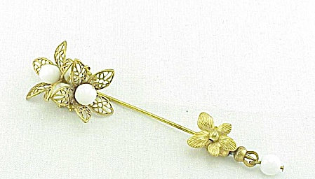 VINTAGE COSTUME JEWELRY - UNSIGNED MIRIAM HASKELL WHITE GLASS BEAD STICK PIN STICKPIN (Image1)