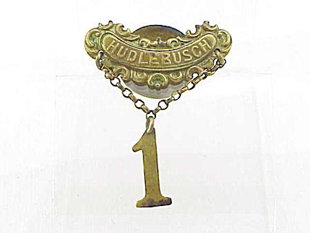 VINTAGE C L SEIFERT DENMARK HUDLEBUSCH LAPEL PIN MEDAL (Image1)