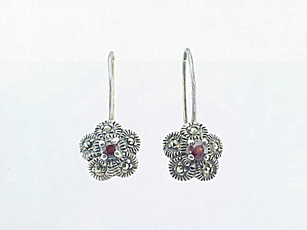 DANGLING STERLING SILVER, GARNET AND MARCASITE PIERCED EARRINGS (Image1)