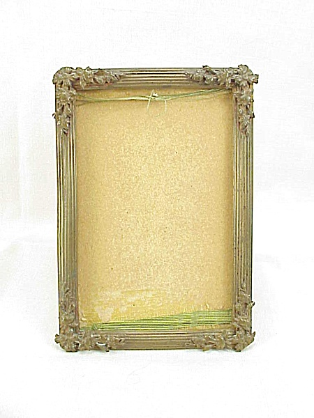 ANTIQUE VICTORIAN SMALL BRASS FREE STANDING PICTURE FRAME WITH FLOWERS (Image1)