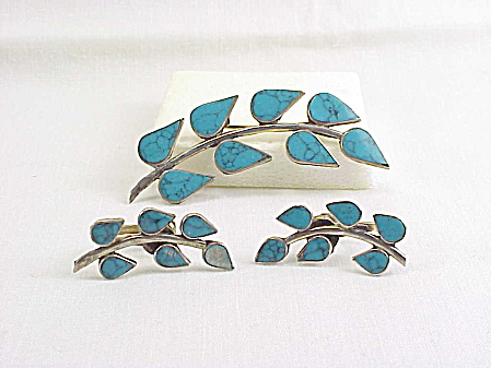 SIGNED TAXCO MEXICAN STERLING SILVER TURQUOISE BROOCH & EARRINGS SET  (Image1)