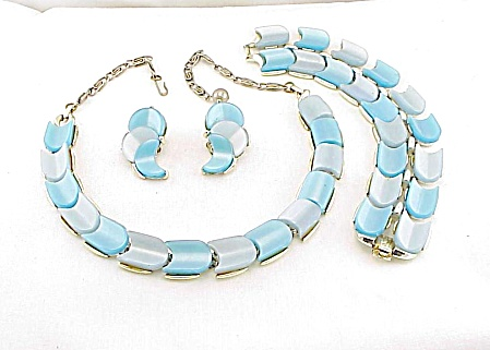 Lisner Blue Moonglow Thermoset Necklace, Bracelet, Earrings Parure Set