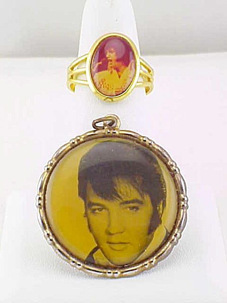 VINTAGE ELVIS PRESLEY REAL PHOTO PHOTOGRAPH PICTURE RING AND PENDANT (Image1)