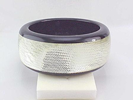 PONO DESIGNER WIDE SILVER SPARKLE DIAMOND CUT RESIN BANGLE  BRACELET (Image1)