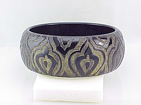 Pono Designer Wide Black And Gold Carved Pagoda Resin Bangle Bracelet