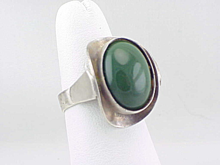 VINTAGE STERLING SILVER JADE OR GREEN ONYX RING SIGNED ELIAS PERU (Image1)