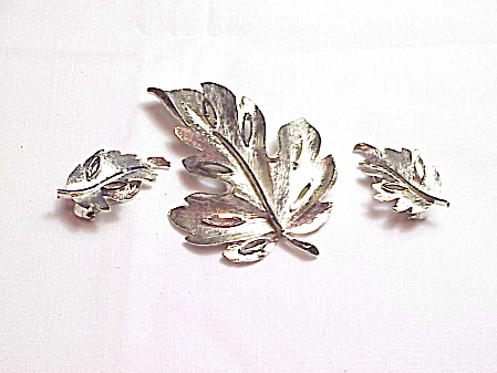 Vintage Bsk Silver Tone Leaf Brooch And Clip Earrings Set