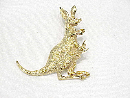 Gold Tone Kangaroo With Joey Brooch