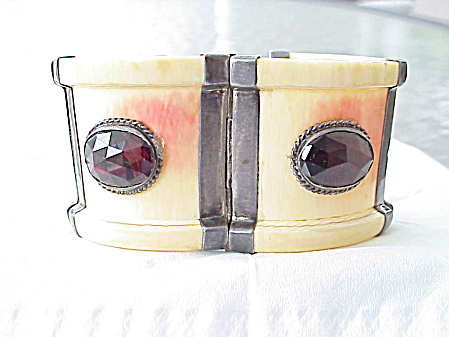 ANTIQUE OR VINTAGE WIDE IVORY OR HORN TRIBAL STYLE CUFF BRACELET WITH GARNETS & SILVER (Image1)