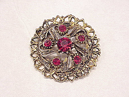 Vintage Red Rhinestone Gold Tone Brooch With Antique Gold Setting