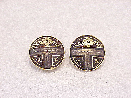 VINTAGE SMALL DAMASCENE BLACK AND GOLD TONE CLIP EARRINGS (Image1)