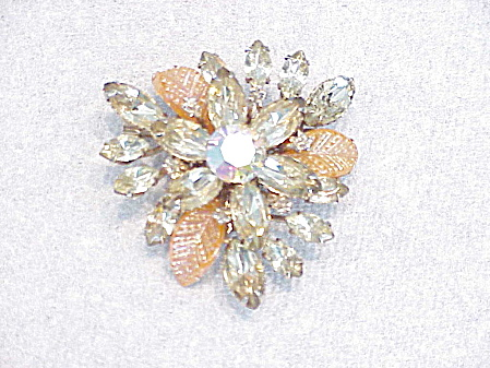 Vintage Pale Yellow Champagne Rhinestone And Carved Glass Leaf Brooch