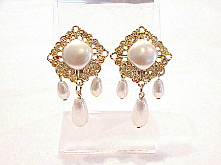 Vintage Gold Tone Filigree With Dangling Pearls Clip Earrings