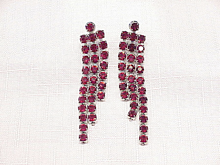 LONG DANGLING DARK RED RHINESTONE PIERCED EARRINGS (Image1)