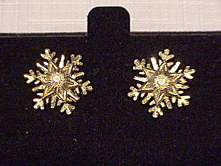 AVON SNOWFLAKE AURORA BOREALIS RHINESTONE PIERCED EARRINGS  (Image1)