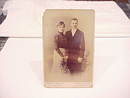 VICTORIAN WEDDING COUPLE CABINET PHOTOGRAPH - FRANKFURT, GERMANY  (Image1)