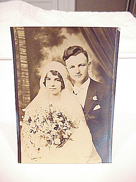VINTAGE 1920'S  OR 1930'S WEDDING COUPLE PHOTOGRAPH (Image1)