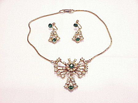 VINTAGE GREEN AND CLEAR RHINESTONE BROOCH OR PENDANT NECKLACE AND EARRINGS SET (Image1)