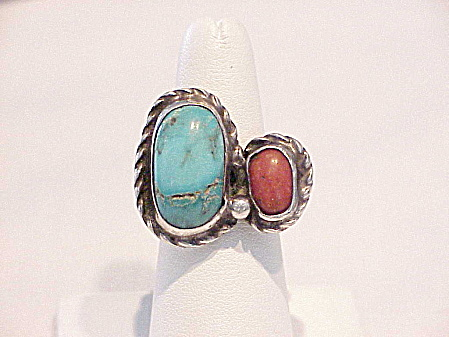 SIGNED NATIVE AMERICAN STERLING SILVER TURQUOISE RED CORAL RING  (Image1)