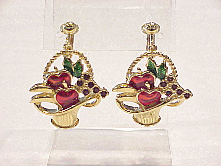 VINTAGE AVON ENAMEL AND RHINESTONE FRUIT BASKET CLIP EARRINGS (Image1)