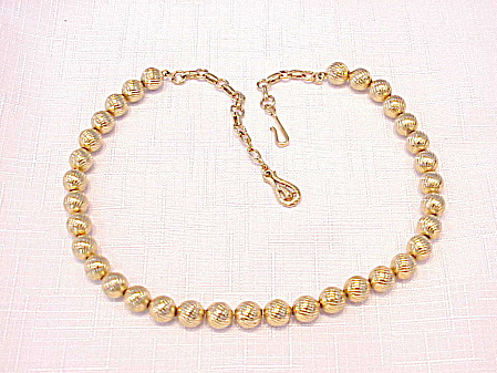 VINTAGE CORO GOLD TONE BALL BEAD CHOKER NECKLACE (Image1)