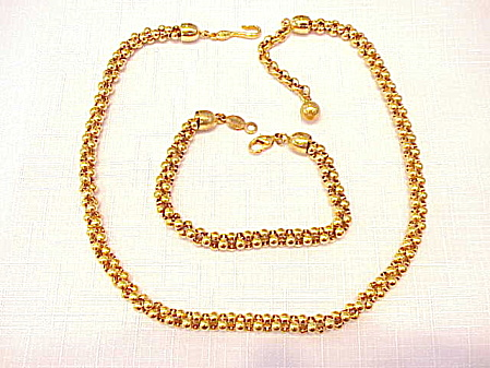 NAPIER GOLD TONE CHOKER NECKLACE AND BRACELET SET (Image1)