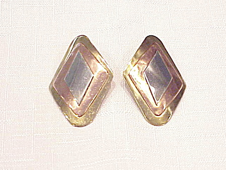 Tricolored Metal Pierced Earrings Signed Fuentes P.r.