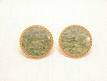 VINTAGE LARGE GOLD TONE CUFFLINKS WITH JADE STONES (Image1)