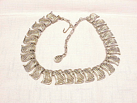 VINTAGE SILVER TONE LINK CHOKER NECKLACE SIGNED CORO (Image1)
